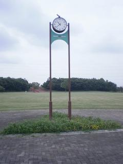 中央地区芝生広場時計塔.JPG